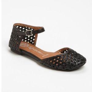 NWOT JEFFREY CAMPBELL Marcy Black Sandal Flats